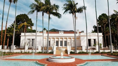 """How to Live Like """"Scarface"""": Rent the Villa from the Classic Flick   StyleCaster"""
