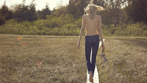 Cosmetic Denim: New Jeans Designed To Fight Cellulite, Weight Gain, Sagging, Dry Skin | StyleCaster