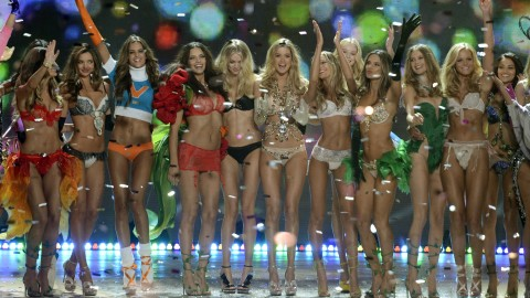 StyleCaster Top 10: Victoria's Secret Angels Spill Beauty Secrets, Miley Cyrus' Wedding Plans, More | StyleCaster