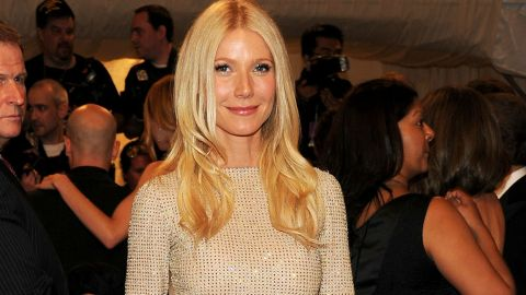 StyleCaster Top 10: Gwyneth Paltrow's Boozy Shopping, Rihanna's Favorite Restaurants, More | StyleCaster