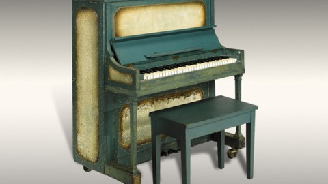"""On the Auction Block: A Frank Lloyd Wright Window and the """"Casablanca"""" Piano 