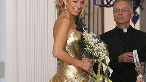 The 14 Best TV Wedding Dresses: From 'Gossip Girl' to 'Friends' | StyleCaster