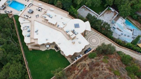 By the Numbers: All the Details on Rihanna's New $12 Million Mansion   StyleCaster