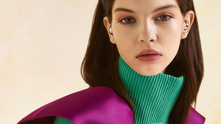 Check Out The Bizarre Earrings In Mugler's Pre-Fall 2013 Collection