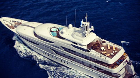 Everything You Need to Know About P. Diddy's Amazing Yacht From The Price To The Starlets Who Party On It | StyleCaster