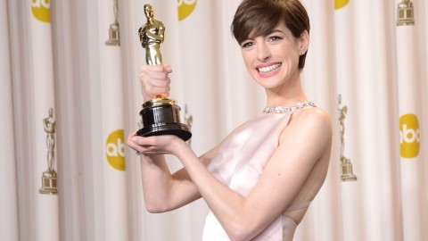 Links to Click: Anne Hathaway Apologizes for Not Wearing Valentino to Oscars, J. Crew CEO Invests in Warby Parker | StyleCaster