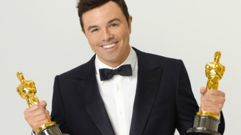 Oscar Host Review: Seth MacFarlane Was A Hit … And A Miss   StyleCaster