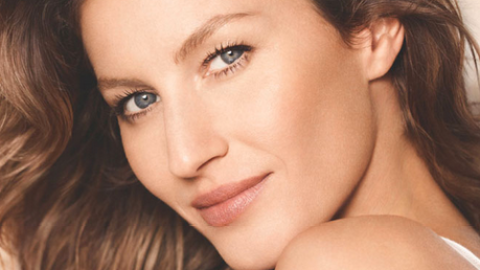 Coffee break catch-up: First look at Gisele's Chanel campaign, Justin Timberlake to tour with Jay-Z, more | StyleCaster