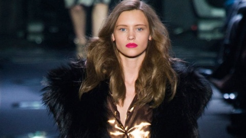 All The Looks: Diane Von Furstenberg's Glamorous 1970s-Inspired Fall Collection | StyleCaster