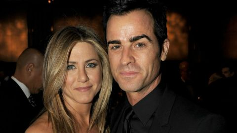 Report: Jennifer Aniston and Justin Theroux To Wed In Hawaii A Few Weeks From Now   StyleCaster