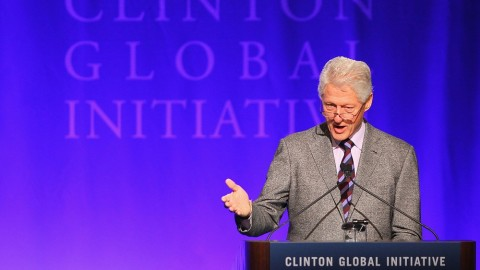How Much Would You Pay To Have Dinner With Bill Clinton? | StyleCaster