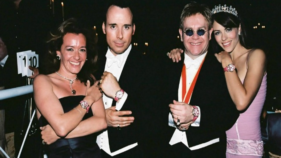 #Throwback Thursday: Elton John's 2003 Winter Wonderland Bash Included Fake Snow and Ice Skating Rink | StyleCaster