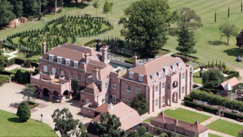David and Victoria Beckham's Mansion (Dubbed Beckingham Palace) Hits the Market for $15 Million | StyleCaster
