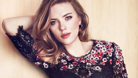 Links to Click: Scarlett Johansson Opens Up About Divorce, Diane Kruger's New Chanel Beauty Gig, More | StyleCaster