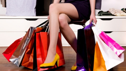 More Than Half Of Americans Shop To Feel Better: Survey | StyleCaster