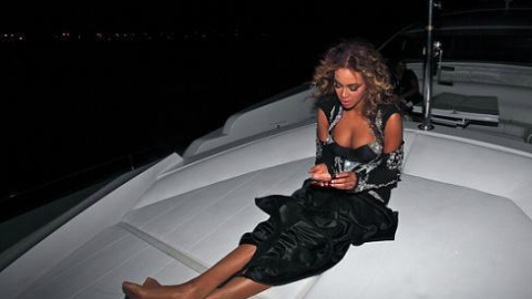 Links To Click: Beyoncé Cancels Concert To Hang Out on a Yacht, Kim Kardashian's Baby Shower Invite, More   StyleCaster