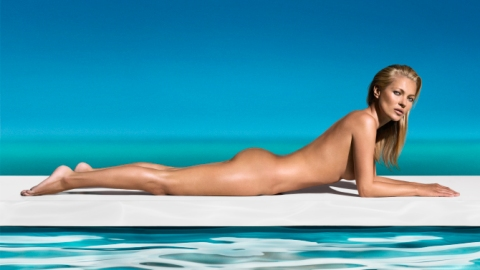 Links to Click: Kate Moss Poses Naked, 'American Idol' Rumors, More | StyleCaster