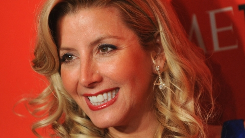 Spanx Founder and Billionaire Sara Blakely Pledges Half Her Fortune To Charity | StyleCaster