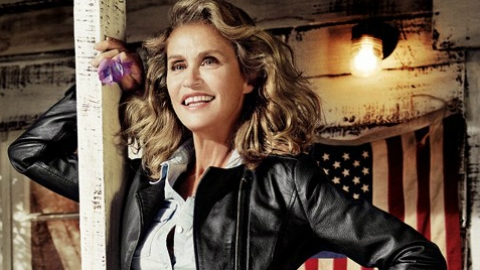 Lauren Hutton Lands Lucky Campaign At 69 Years Old: An Expert's Take On The Over-40 Model Trend | StyleCaster
