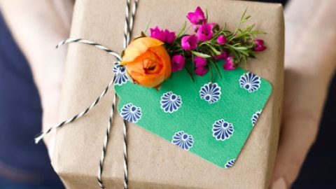 7 Cool Wedding Registries | StyleCaster