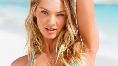 Want: A Sweetly Sexy Ruffled Bikini Perfect for Hot Beach Days | StyleCaster