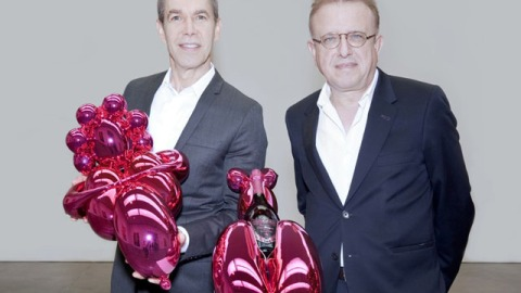 Stuff We Love: Jeff Koons and Dom Pérignon Collaborate | StyleCaster