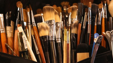 The Essential Guide to Every Makeup Brush Ever (and How to Use Them)   StyleCaster