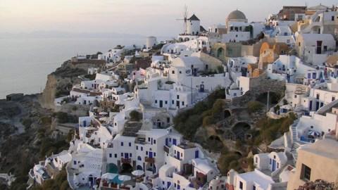 Greek Island Hopping Basics: 5 Must-See Spots | StyleCaster