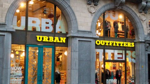 Links To Click: Urban Outfitter's Largest Store Ever, Jay-Z's Free Album, And More! | StyleCaster