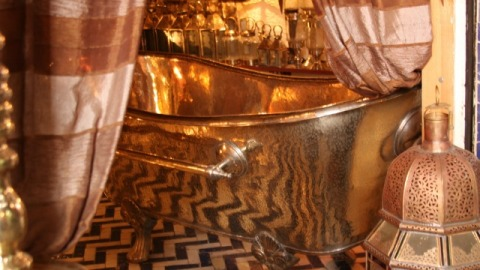 Michael Bloomberg Spends $13,000 On a Copper Bathtub | StyleCaster