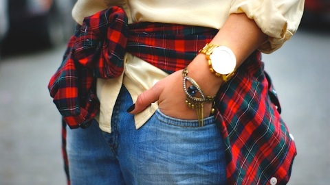 Tie Your Shirt Around Your Waist: How To Wear The '90s Trend Now   StyleCaster