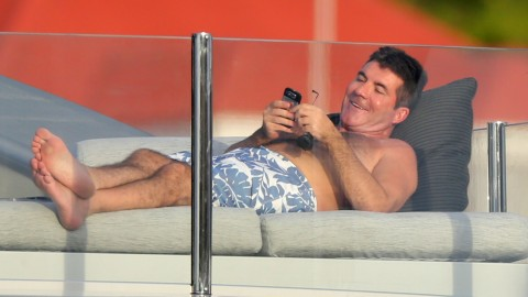 Simon Cowell Is Vacationing On a $74 Million Yacht (And We Have the Details) | StyleCaster
