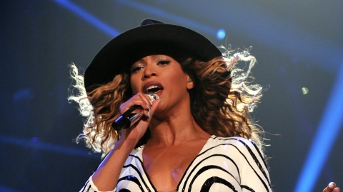 Beyoncé in Gucci: Superstar Finished Tour in Two Custom Designs By the Italian Label | StyleCaster