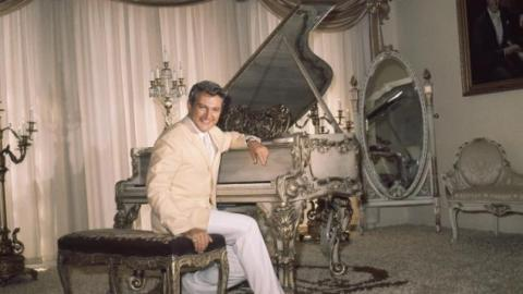 Liberace's Legendary Las Vegas Mansion Sold For Only $500,000 | StyleCaster