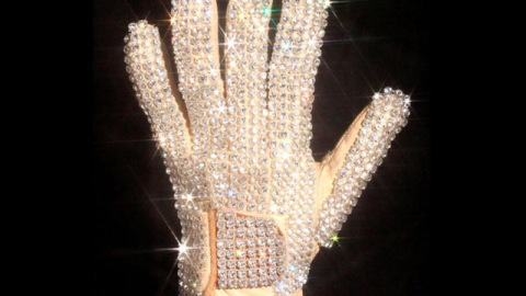 Michael Jackson's Glove Sells For $350,000 | StyleCaster
