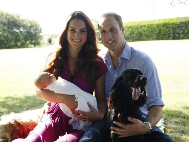royalphoto Awww! See The Royal Babys First Official Photos