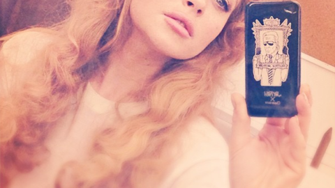 Lindsay Lohan: Out of Rehab and Back to Instagram Selfies (With a Karl Lagerfeld iPhone!) | StyleCaster