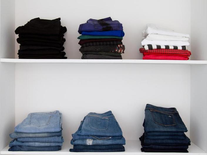 closet organizing tips to save money