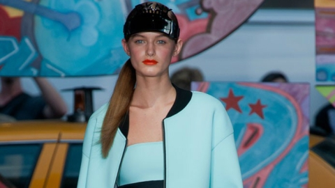 DKNY'S Super-Sporty Spring Collection: All The Looks | StyleCaster