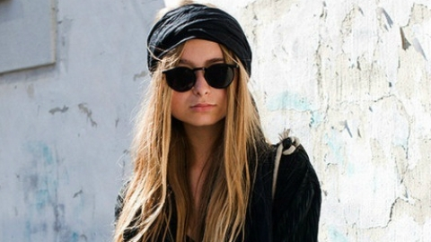 Headband 101: 4 Very Modern Ways To Wear The Hair Accessory This Fall | StyleCaster