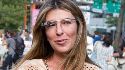 Links To Click: The NYFW Google Glass Craze, Kate Upton Ditches Fashion Week, More | StyleCaster