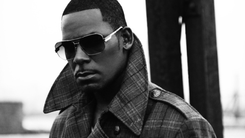 Here's What R. Kelly Has on His Grocery List   StyleCaster