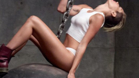 Shocker: Miley Cyrus Decides To Go Pantless on New Single Cover | StyleCaster