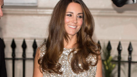Kate Middleton Wears Jenny Packham for First Post-Baby Red Carpet | StyleCaster