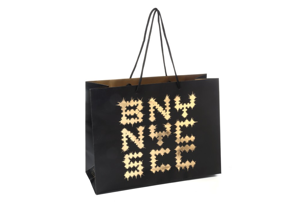 shoppingbag Jay Z and Barneys Are Teaming Up For A Pretty Major Holiday Collection