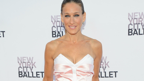 Sarah Jessica Parker Combines Two Designer Pieces to Make One Stunning Gown | StyleCaster