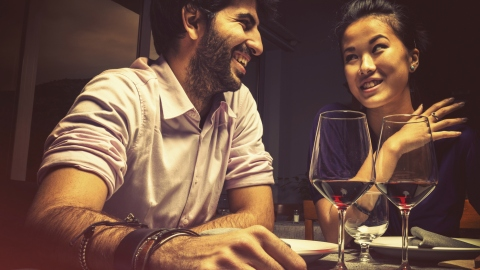 First Date Conversation: 5 Things You Should Say (And What You Can Learn) | StyleCaster