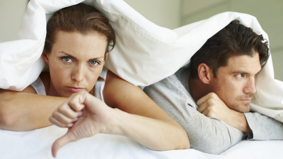 5 Annoying Signs He's Just Looking for a Hookup Buddy | StyleCaster