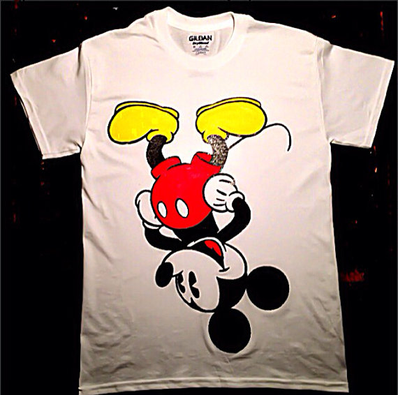 etsy1 How Fashion Stars Wear Mickey Mouse Tops