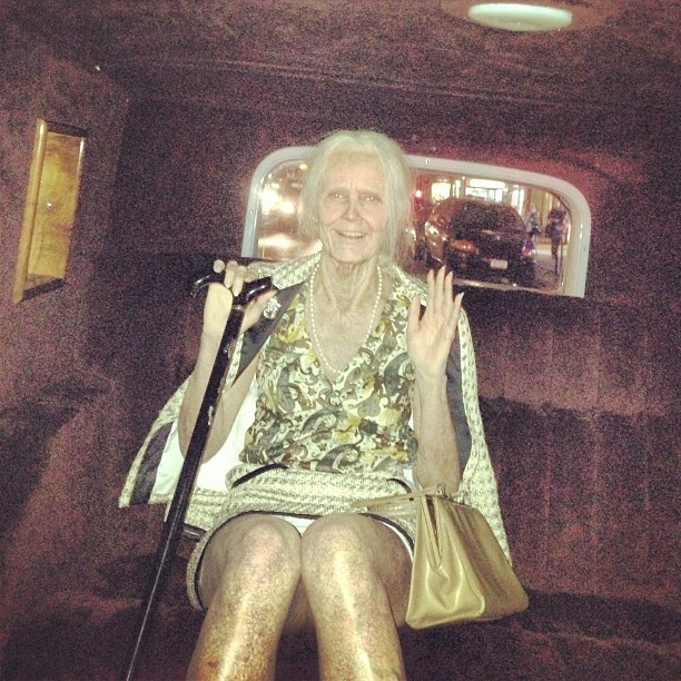 heidi klum dressed up as an old lady for halloween 2013.
